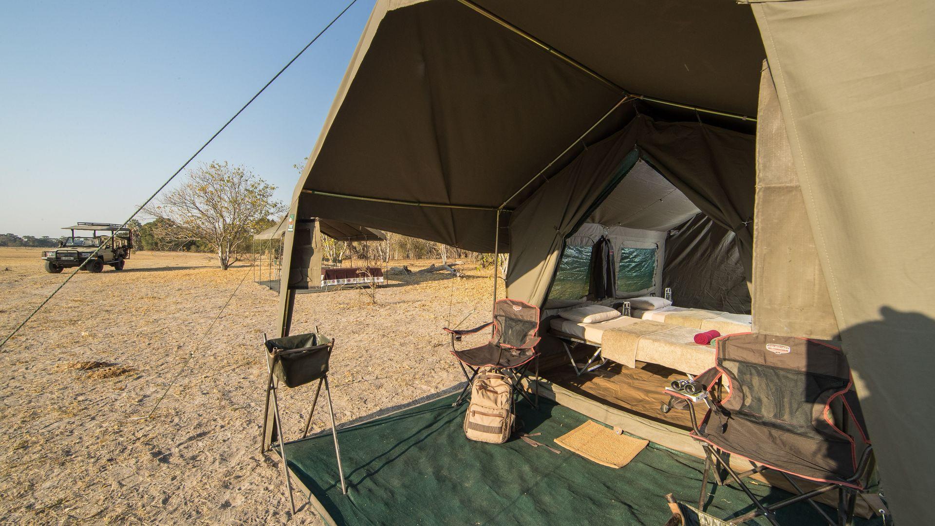 Camping Corona Bw