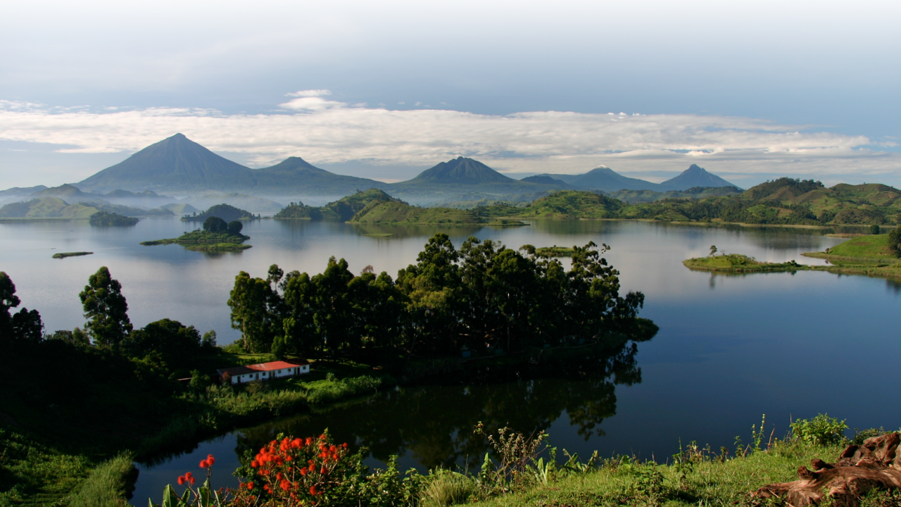 Lake Mutanda Uganda - Matoke Tours