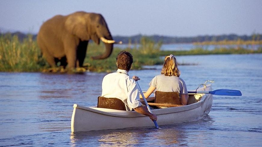 canoe safari lower zambezi